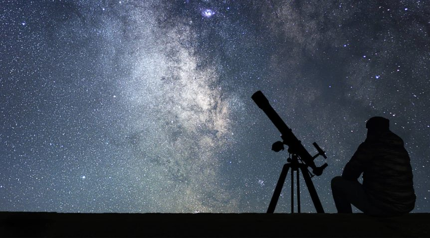 What type of telescope is used for astrophotography?